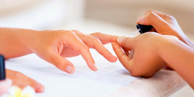 La manicura y el proceso de esmaltado