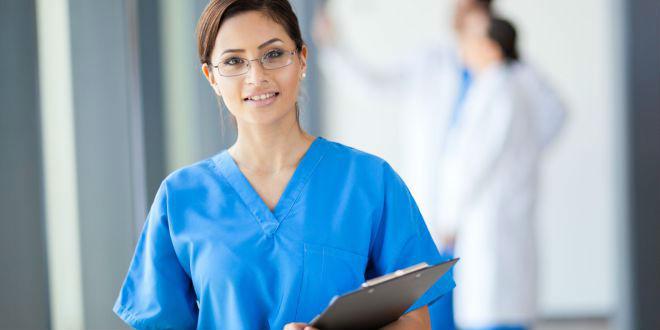Dónde se desempeña el asistente terapéutico? | FUDE