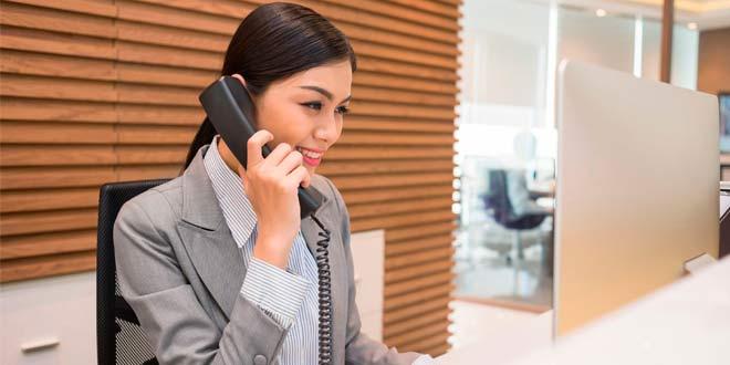 Consejos de atención telefónica para recepcionistas